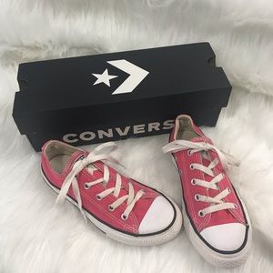 Converse Chuck Taylor Girls Shoes Size 1 Pink